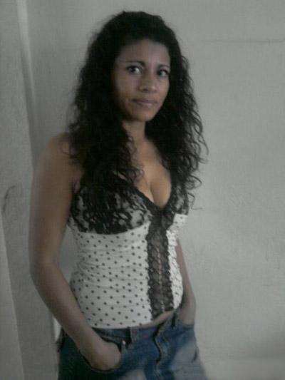 Mujer soltera exitosa heterocurioso busca tag